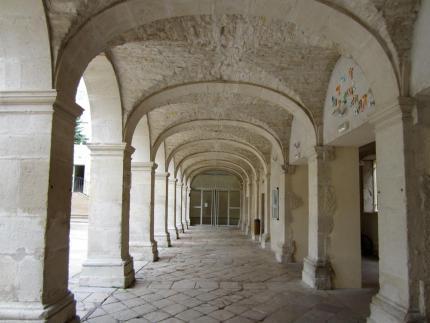 Vue sous les arches